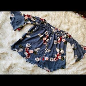 Umgee size small boho style floral top